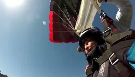 102-річна американка стрибнула з парашутом у день свого народження