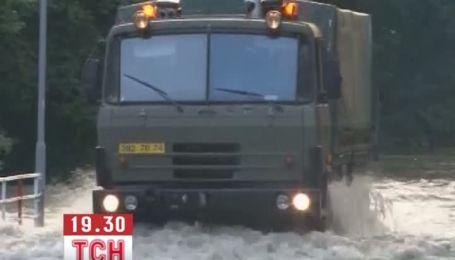Велика вода наближається до України: затоплені вже Словаччина і Угорщина