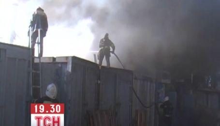 Полтавские правоохранители выясняют причины пожара на центральном рынке