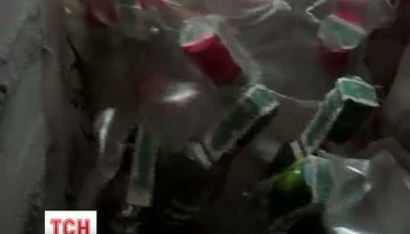 Огромный цех поддельной водки и вина разоблачила столичная налоговая милиция
