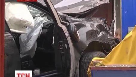 Водій, який на авто вилетів на літній майданчик і збив жінку, на волі