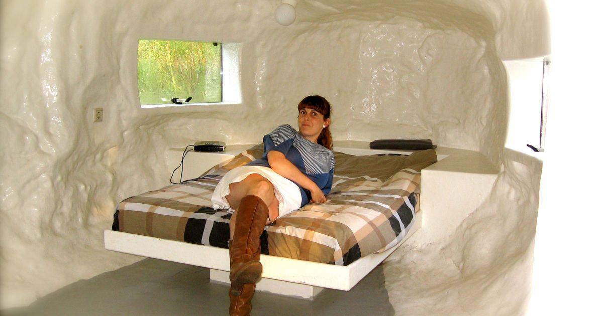 В Бельгии можно переночевать в анусе. @ floramarket.ru