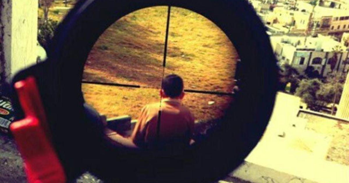 необычная снайпер в голову фото помогает снять орлова
