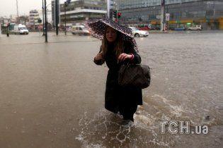 Наводнение вслед за пожаром. По пригороду греческих Афин ударила внезапная буря