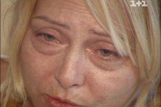 Оксана Хожай відмовляється лікуватися, бо впевнена, що ліки вб'ють її раніше