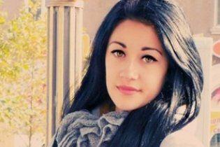 Зґвалтована в Бердянську школярка перед смертю ледве трималася на ногах у клубі