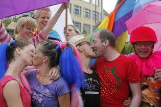 В УПЦ МП призывают власть не защищать права украинских геев и лесбиянок