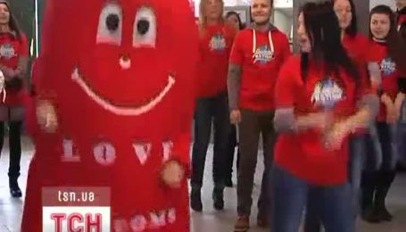 Студенты отметили День презерватива, станцевав Gangnam Style