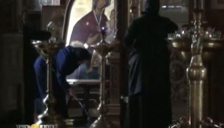 Священники не могут отказаться от четырехколесной благодати