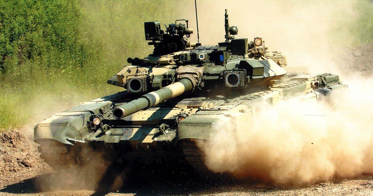 Россияне разместили в Сирии танки Т-90 и артиллерию - Reuters