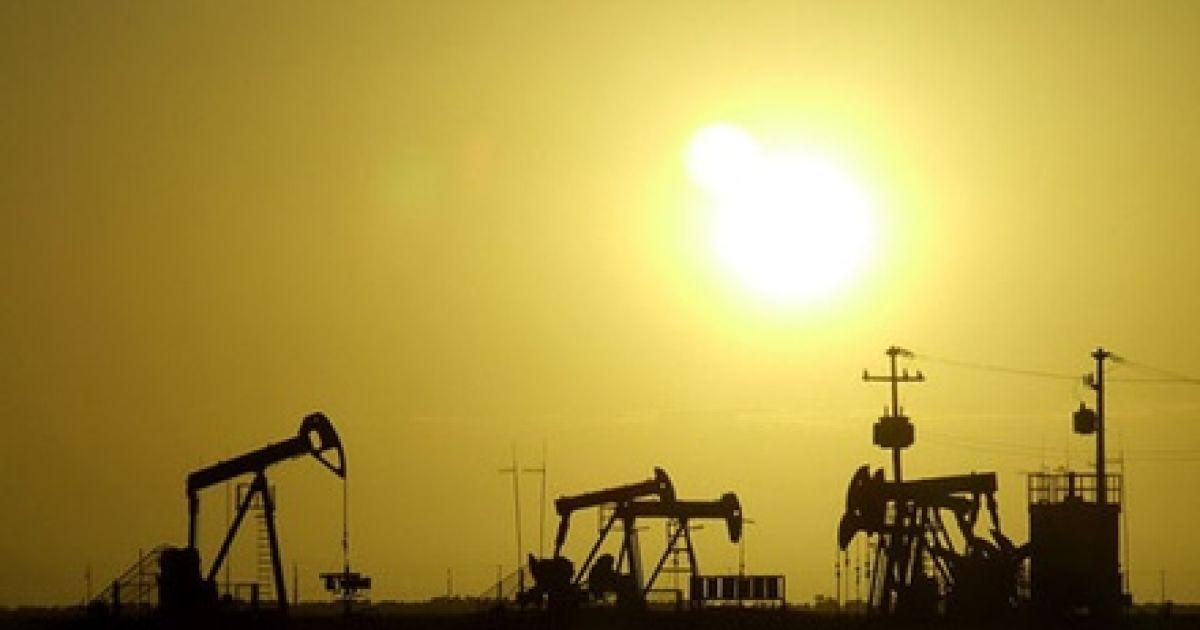 Нефть дешевеет и обновляет показатели минимальных цен последних шести лет