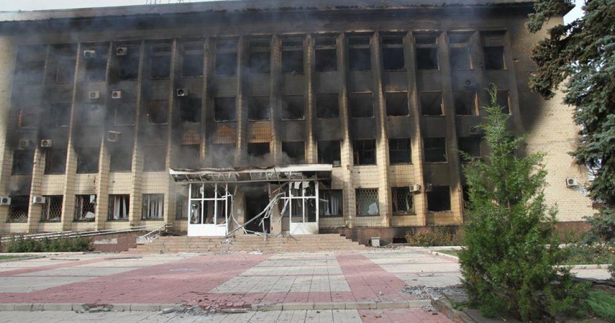 Боевики накрыли Дзержинск артиллерийскими обстрелами: ранены местные жители