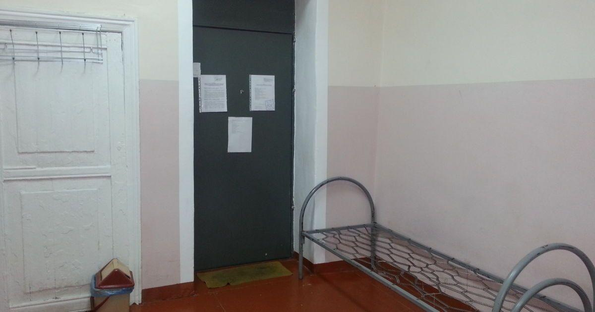 Сталеві двері - завжди зачинені @ Євгеній Агарков