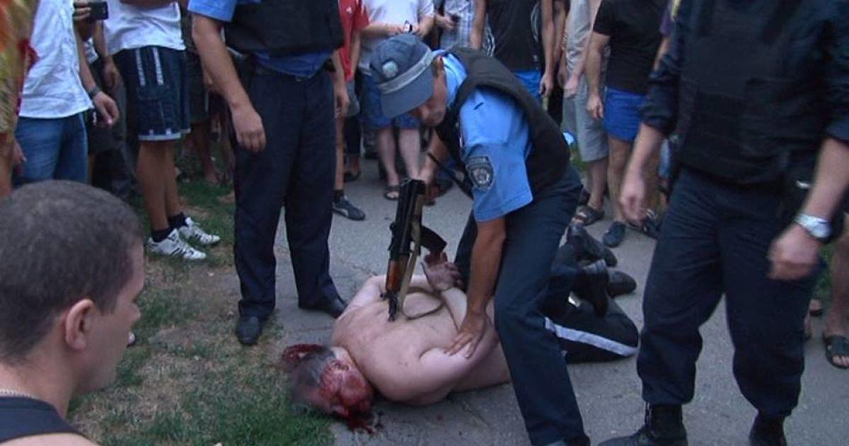 Нетверезий дебошир вчинив посеред вулиці стрілянину @ facebook.com/slava.mavrichev