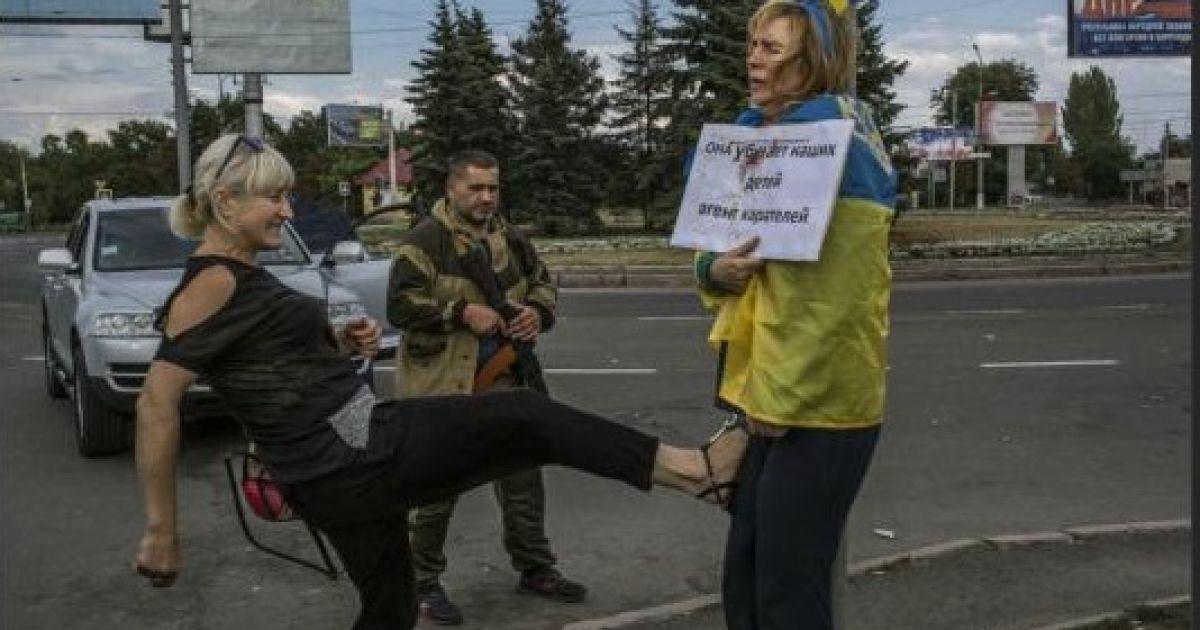 """""""По ту лінію фронту живуть не тільки вороги і найманці"""", - Порошенко - Цензор.НЕТ 9979"""