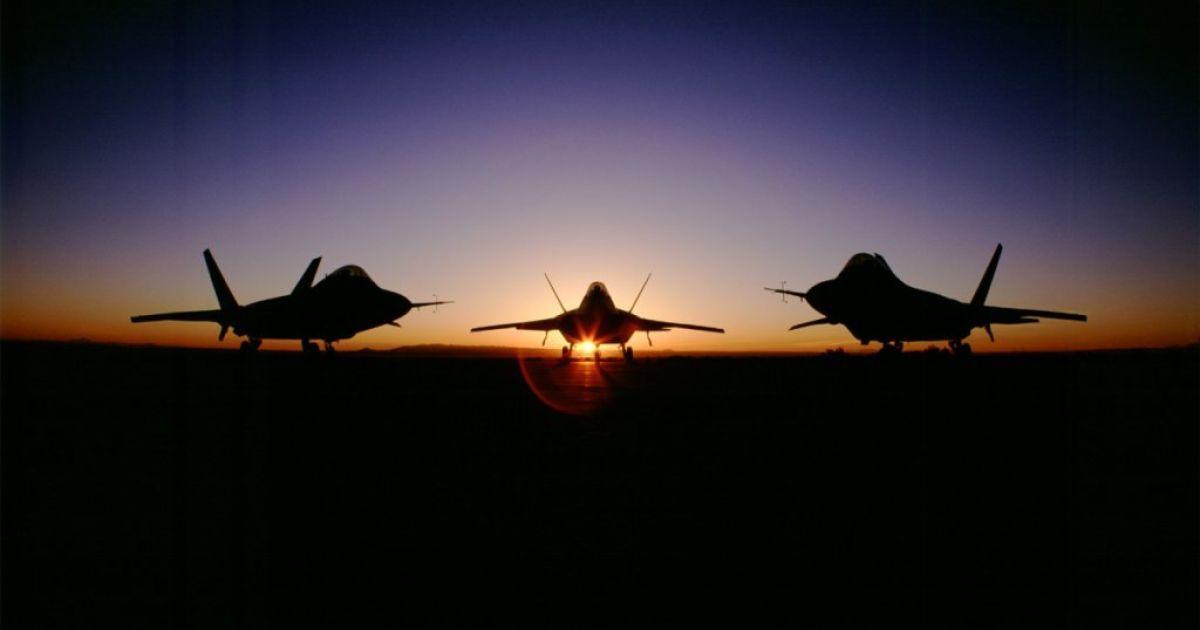 Америка разместит в Европе истребители F-22