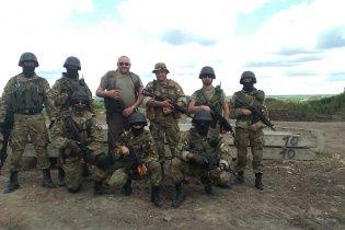 """Бойцы """"Правого сектора"""" воюют """"чем Бог послал"""" и свалили первого Ленина на Донбассе"""