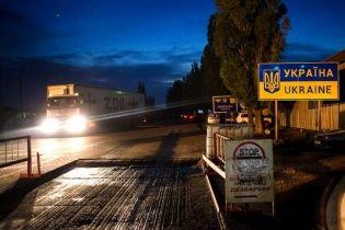 """""""Вантаж 200"""": спостерігачі ОБСЄ помітили поблизу окупованого Донецька відповідний фургон """"ДНР"""""""