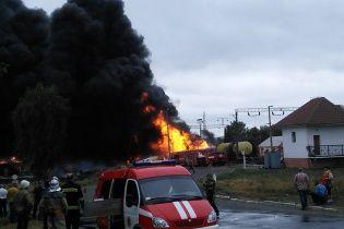 Появились фото масштабного пожара на железной дороге в Городище