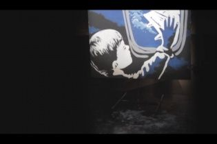 Українські митці присвятили проникливе відео збитому Boeing та мирним жертвам