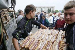 В Славянске ссорятся из-за гуманитарки, а некоторые тайком думают о России