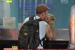 Украинцы массово раскупают железнодорожные билеты
