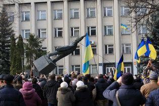 В Україні ще залишилося до двох тисяч пам'ятників Леніну