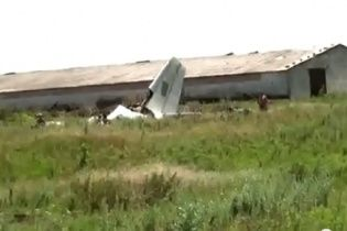 Найдены тела пилотов сбитого под Луганском самолета Ан-26