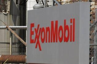 """Американський нафтогазовий гігант призупинив 9 із 10 проектів із """"Роснефтью"""""""