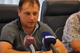 """Главный тренер """"Зари"""" рассказал, почему кричал на своих футболистов в перерыве матча с """"Шарлеруа"""""""