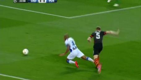 Шахтар - Порту - 0:0. П'ятов відбив пенальті