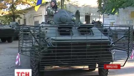 10 БТРов передал Николаевский бронетанковый завод украинским пограничникам