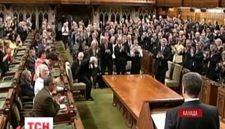 Порошенко сорвал овации в парламенте Канады