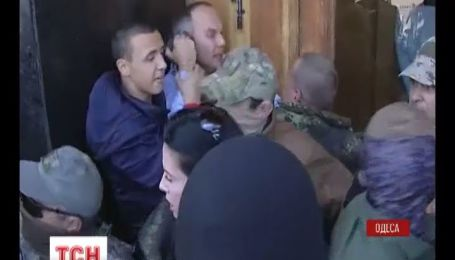 В Одессе активисты избили Нестора Шуфрича