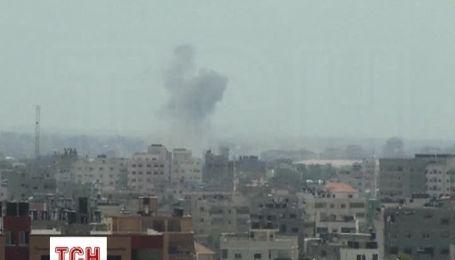 Ізраїль відновлює масовані атаки на об'єкти терористів у секторі Газа