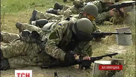 Як навчаються військовій справі майбутні десантники
