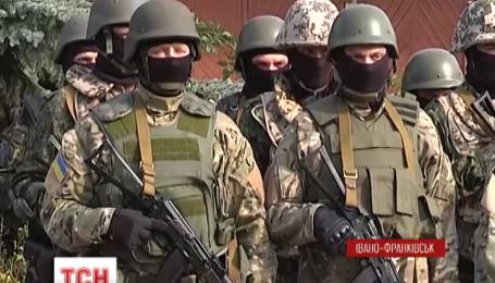 В зону АТО отправились сотрудники Ивано-Франковского областного управления СБУ