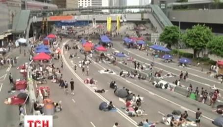 Демонстранты в Гонконге выдвинули ультиматум главе правительства Лян Чуньин