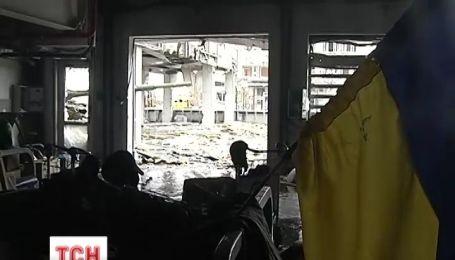 18 украинских военнослужащих ранены в ходе боев в Донецком аэропорту
