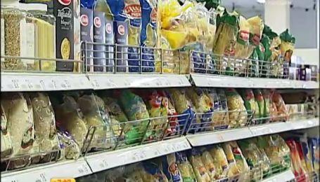 Ціна на крупи та консерви зростатимуть, а картопля через надлишок може згнити