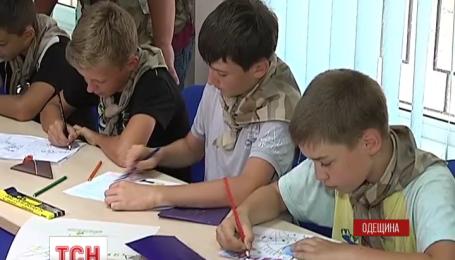 Военных, находящихся в зоне АТО, письмами поддерживают дети