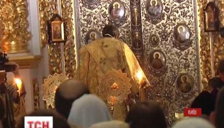 Верующие могут проститься с митрополитом в Киево-Печерской Лавре