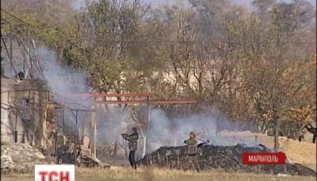Терористи обстрілюють українські блокпости довкола Маріуполя