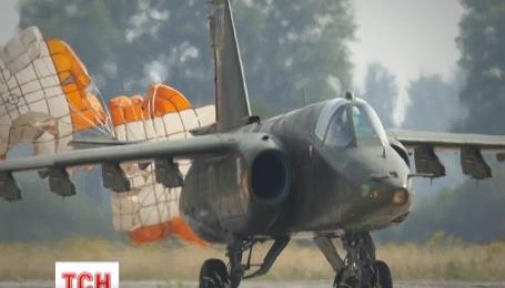 Россияне со своей территории сбили украинский самолет
