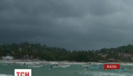 Около десяти тысяч человек - пострадали в результате урагана Мэри