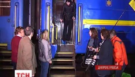 В Днепропетровск из Латвии вернулся Артем Чайковский, которого врачи поставили на ноги