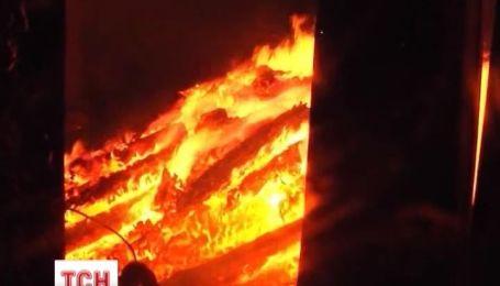 У селищі Курортне вщент вигоріла одна з баз відпочинку