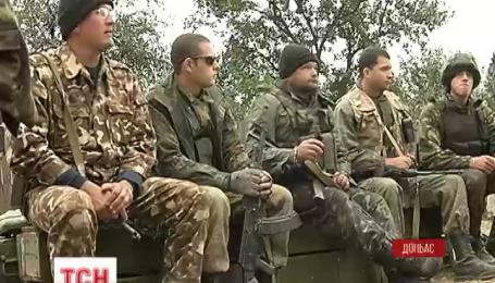 Донецьке летовище щодня обстрілюють з важкої артилерії