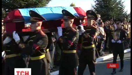Во Львов доставили сразу 11 погибших бойцов