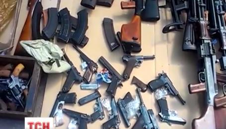 Группу торговцев оружием задержала столичная милиция
